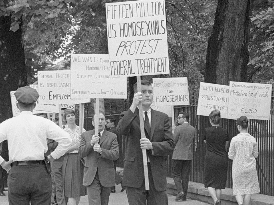 Larangan Orang LGBT Dari Pemerintah (27 April 1953)